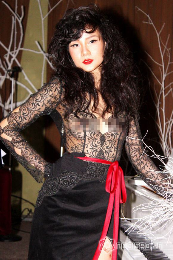 Dương Yến Ngọc, scandal Dương Yến Ngọc, người mẫu dương yến ngọc, duong yen ngoc, dương yến ngọc pha lê, dương yến ngọc lộ hàng, tin ngoi sao