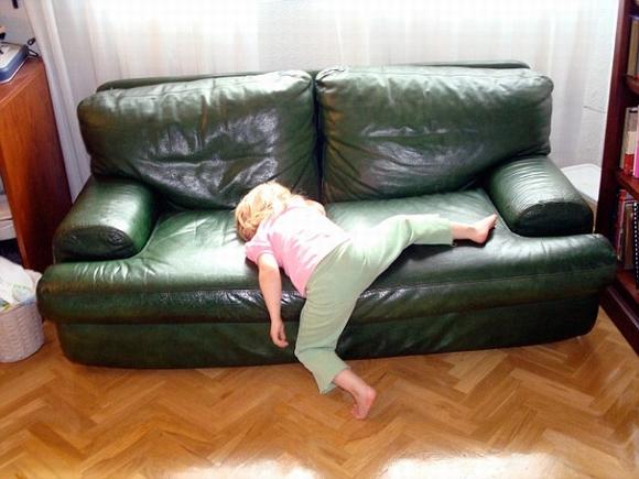Loạt hình ảnh hài hước về các tư thế ngủ 6
