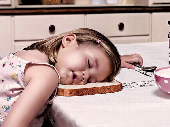 Loạt hình ảnh hài hước về các tư thế ngủ 5
