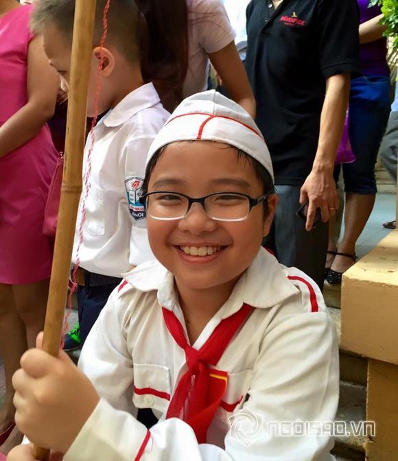 Sao Việt nô nức đưa con đi khai giảng năm học mới