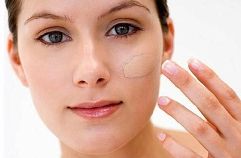 Sai lầm khi trang điểm, viêm tắc lỗ chân lông, da bị dị ứng, tẩy trang sơ sài, kem dưỡng ẩm, dùng chung mỹ phẩm