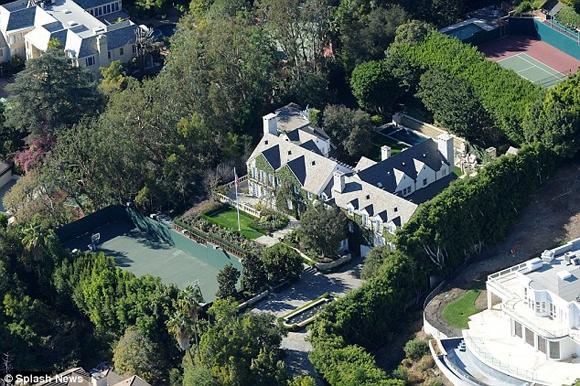 Tom Cruise rao bán biệt thự với giá 'khủng' lên đến hơn 1 nghìn tỷ đồng 0