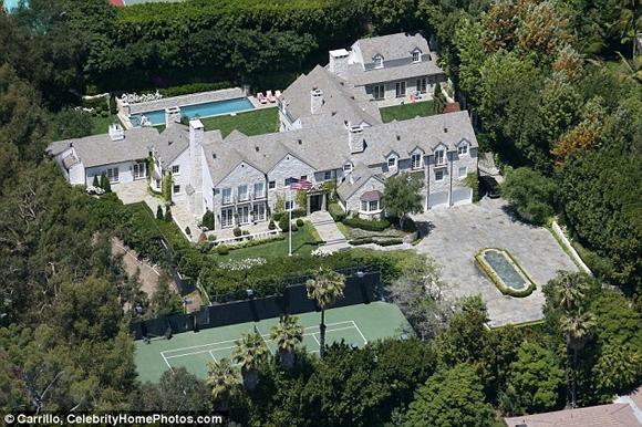 Tom Cruise rao bán biệt thự với giá 'khủng' lên đến hơn 1 nghìn tỷ đồng 1