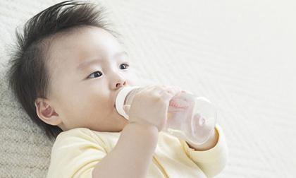 trẻ sơ sinh, chăm sóc trẻ sơ sinh, cạo trọc đầu trẻ sơ sinh, chăm con, sức khỏe