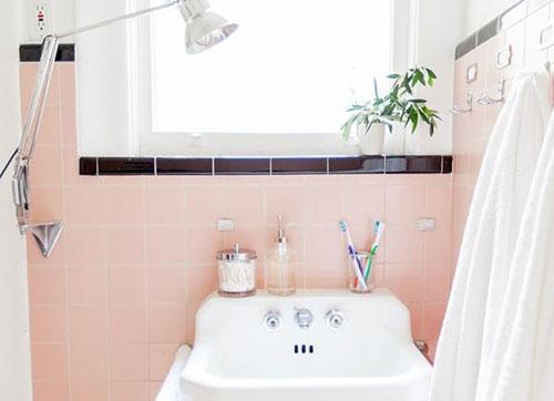 Mẹ khéo tay làm mới không gian phòng tắm - 2