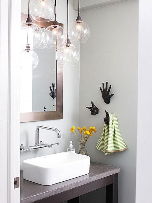 Mẹ khéo tay làm mới không gian phòng tắm - 4