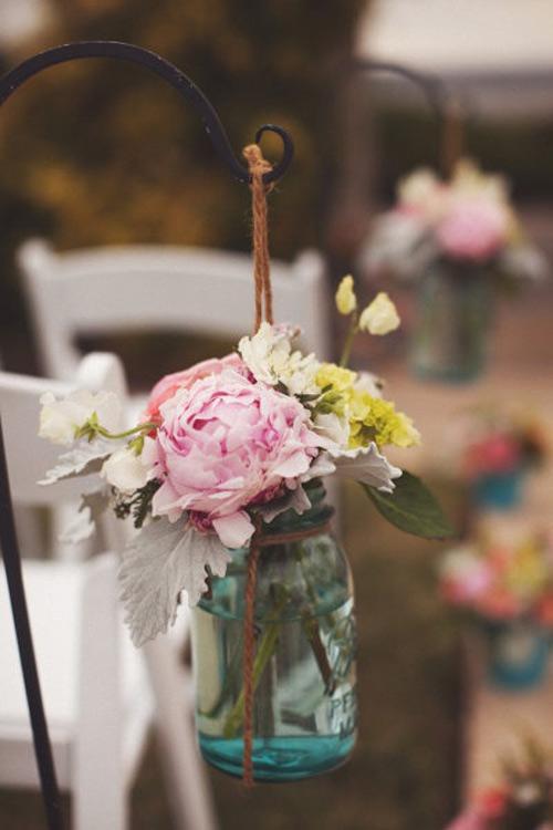 Tự làm bình cắm hoa cho phòng khách thêm xinh - 17