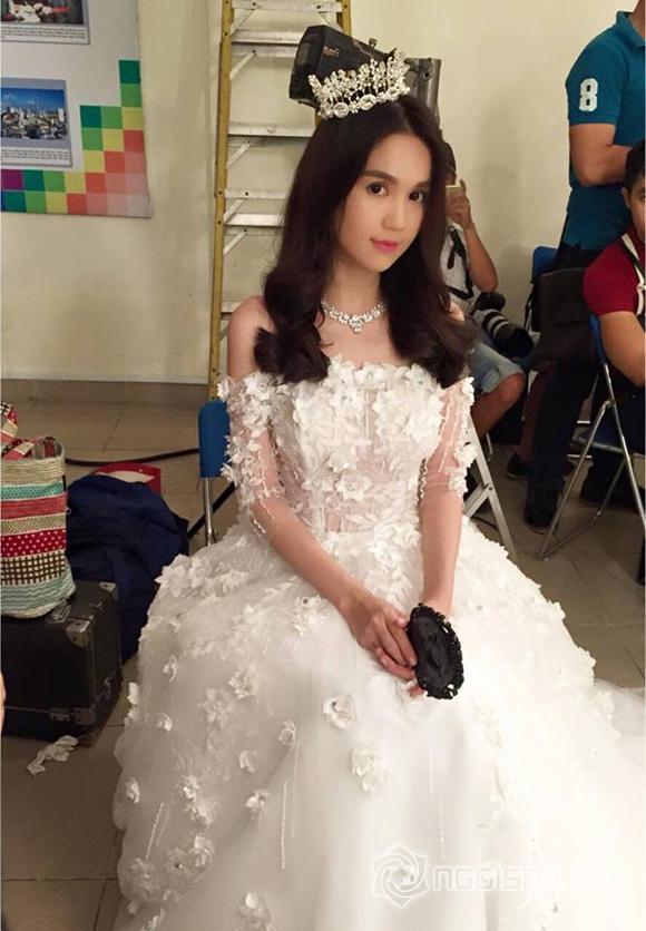 Ngọc Trinh mặc váy cưới  0
