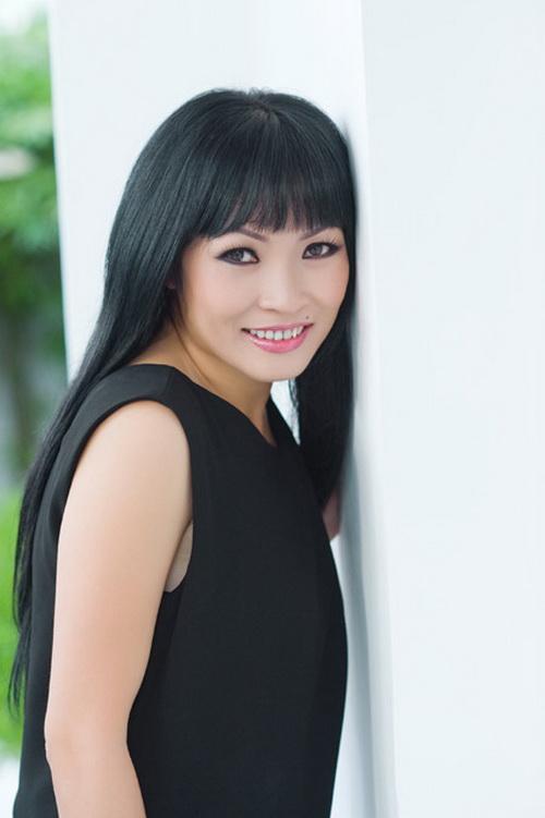 Phương Thanh: 'Cuộc sống tôi ồn ào là do cái miệng tôi...'