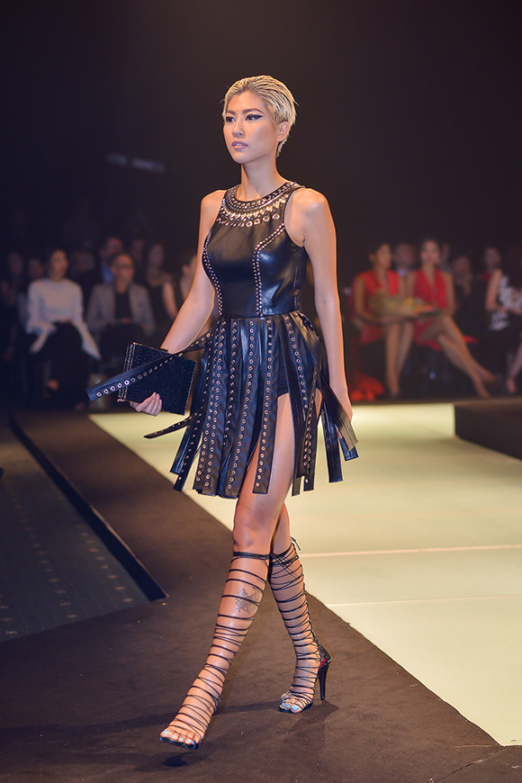 sao Việt, Minh Triệu, siêu mẫu Minh Triệu, Minh Triệu mang đại bàng lên sàn diễn thời trang, Elle Show, NTK Lê Thanh Hòa