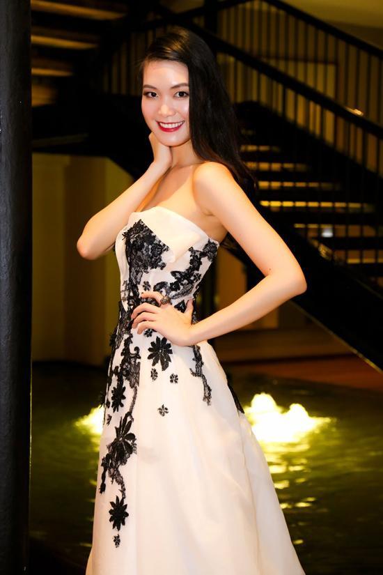 Hồng Quế, Thùy Dung, người mẫu hồng quế, hoa hậu thùy dung, ntk Hoàng Hải, sao việt, hồng quế và thùy dung