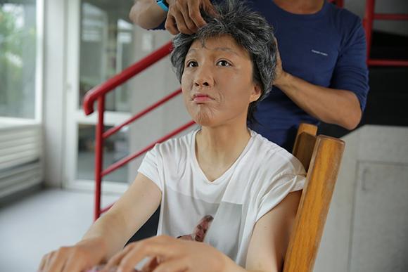 Vợ chồng Phan Đinh Tùng già nua khiến con gái hoảng hốt 1