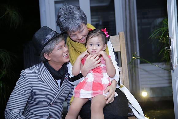 Vợ chồng Phan Đinh Tùng già nua khiến con gái hoảng hốt 2