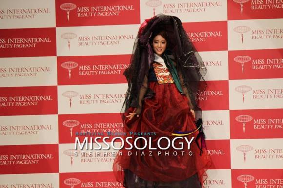 Hoa hậu Quốc tế 2015, Hoa hậu, Miss International 2015, đại diện Việt Nam, đại diện Việt Nam thi quốc tế, Thúy Vân, tin ngôi sao, trang phục dân tộc, quốc phục