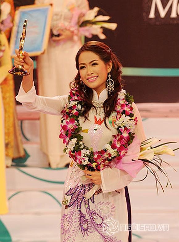 Đại gia và chân dài showbiz Việt  10