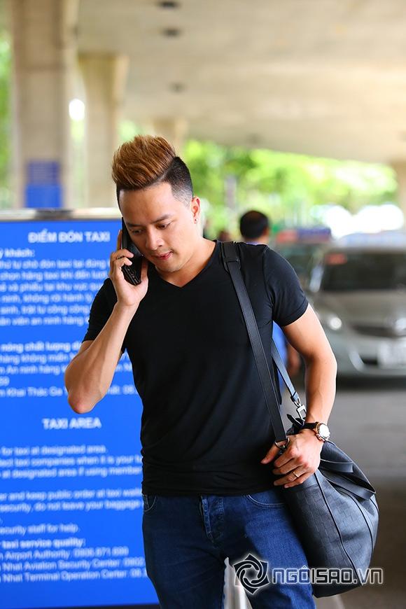 Cao Thái Sơn khệ nệ hành lý lẻ bóng ở sân bay 4