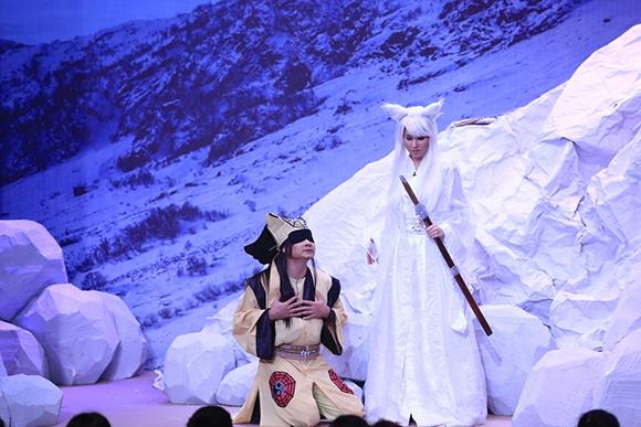 Chồng sắp cưới cầu hôn Vân Trang trên sóng truyền hình 11