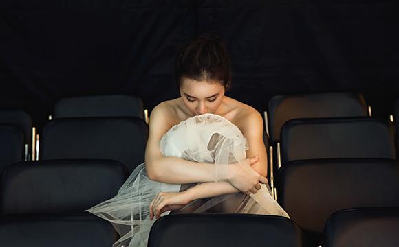 Angela Phương Trinh đẹp mong manh phớt lờ nghi án hẹn hò CSGT 6