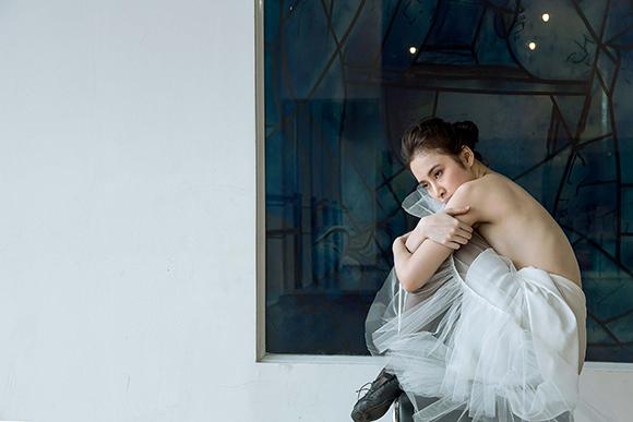 Angela Phương Trinh đẹp mong manh phớt lờ nghi án hẹn hò CSGT 8