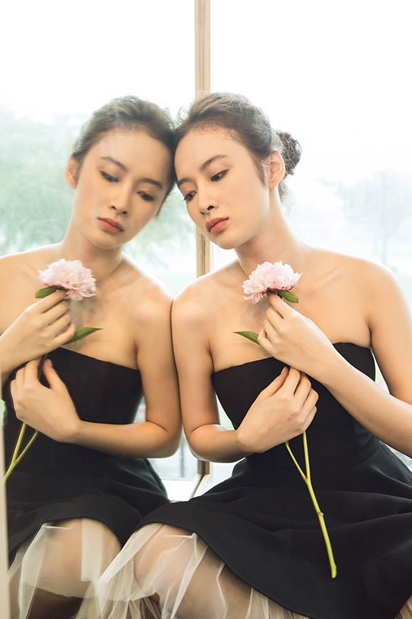 Angela Phương Trinh đẹp mong manh phớt lờ nghi án hẹn hò CSGT 12