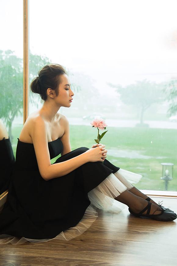 Angela Phương Trinh đẹp mong manh phớt lờ nghi án hẹn hò CSGT 15