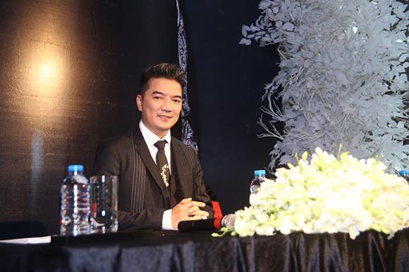 Đàm Vĩnh Hưng nhận giải Nghệ sĩ Châu Á xuất sắc nhất 2015 2