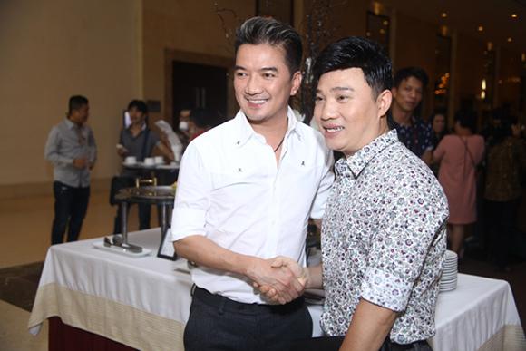 Đàm Vĩnh Hưng nhận giải Nghệ sĩ Châu Á xuất sắc nhất 2015 6