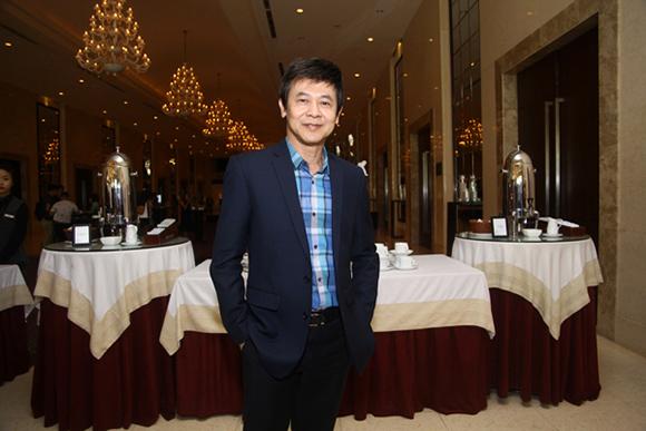 Đàm Vĩnh Hưng nhận giải Nghệ sĩ Châu Á xuất sắc nhất 2015 7