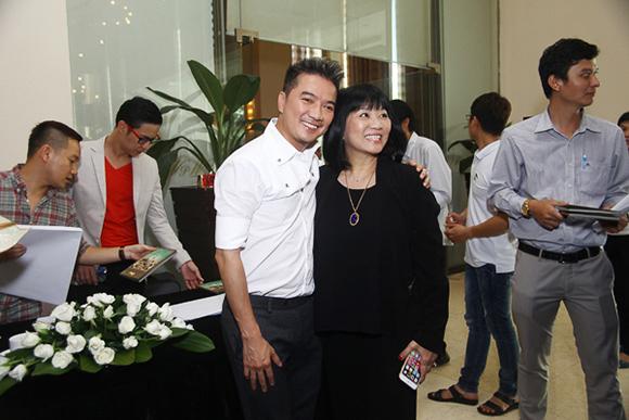 Đàm Vĩnh Hưng nhận giải Nghệ sĩ Châu Á xuất sắc nhất 2015 8
