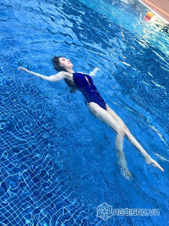 Quỳnh Thư mặc bikini khoe dáng ngọc 2