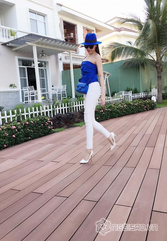 Quỳnh Thư mặc bikini khoe dáng ngọc 0