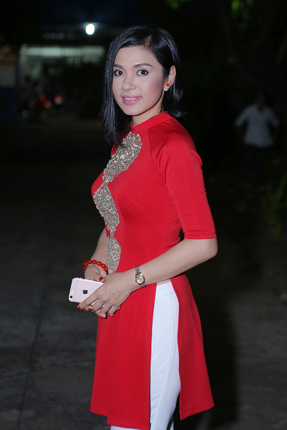 sao Việt, Việt Trinh, diễn viên Việt Trinh, người đẹp Tây Đô, Việt Trinh hôn Ngọc Sơn thắm thiết