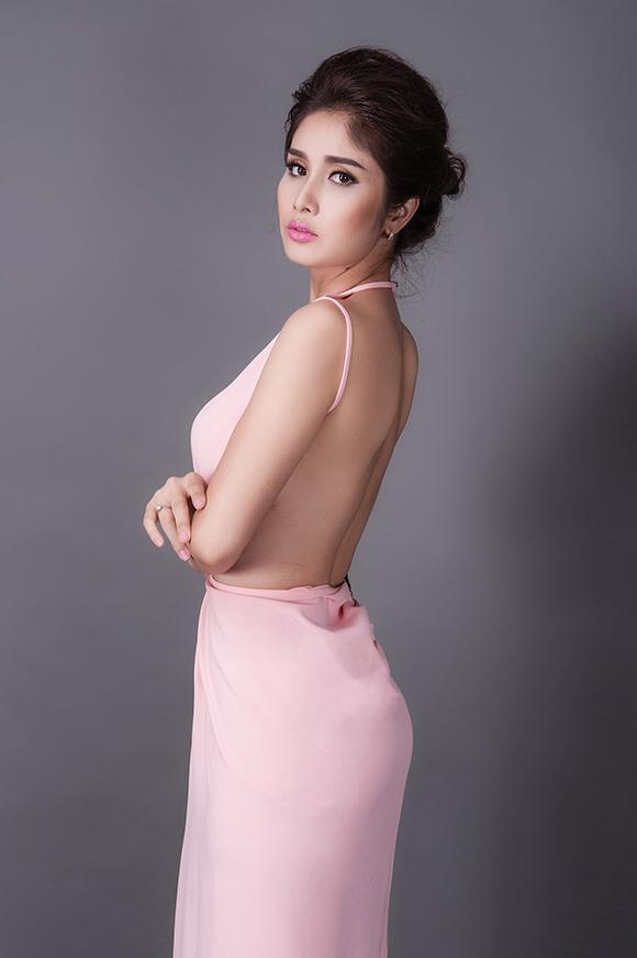 sao Việt, Phan Thanh Bình, tiền đạo Phan Thanh Bình, vợ chồng Phan Thanh Bình ly hôn, Thảo Trang, vợ cũ Phan Thanh Thanh Bình dao kéo vòng một,