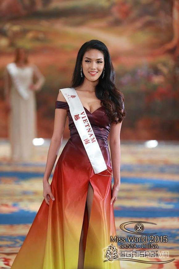 Váy dạ hội của Lan Khuê lọt top 10 trang phục đẹp nhất 0