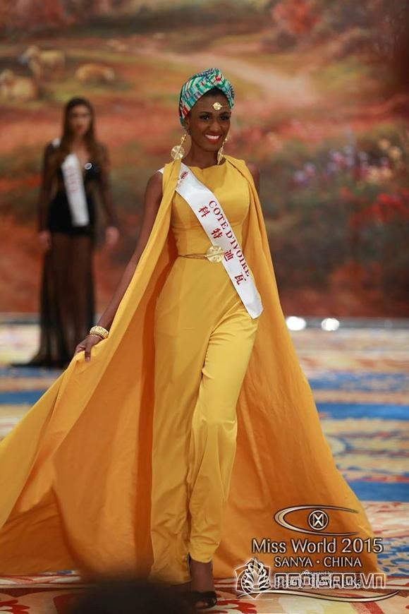 Váy dạ hội của Lan Khuê lọt top 10 trang phục đẹp nhất 12