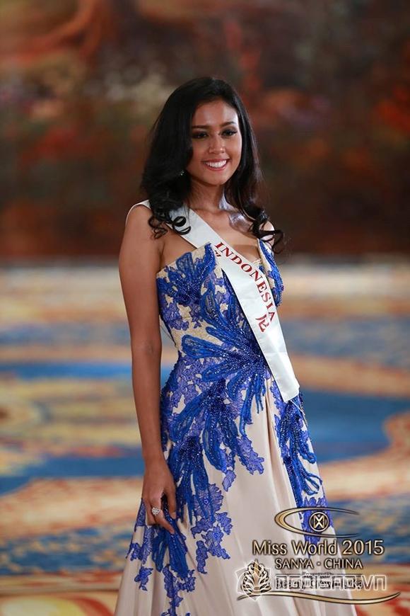 Váy dạ hội của Lan Khuê lọt top 10 trang phục đẹp nhất 2