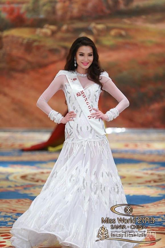 Váy dạ hội của Lan Khuê lọt top 10 trang phục đẹp nhất 4