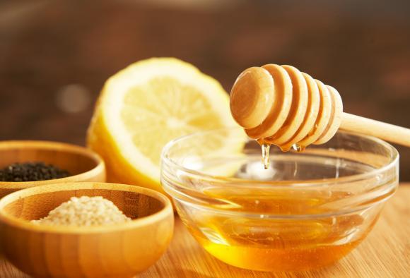 nước ấm pha mật ong 0