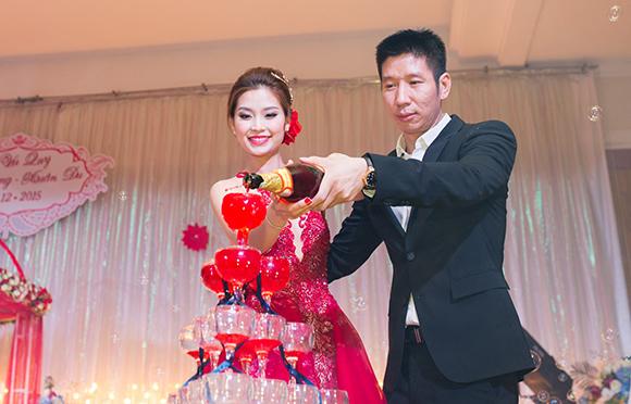Đám cưới ngập tràn không khí Giáng sinh của Á hậu Diễm Trang 6