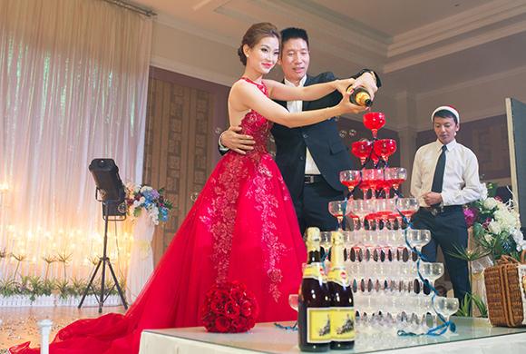Đám cưới ngập tràn không khí Giáng sinh của Á hậu Diễm Trang 7