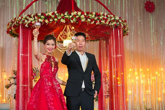 Đám cưới ngập tràn không khí Giáng sinh của Á hậu Diễm Trang 8