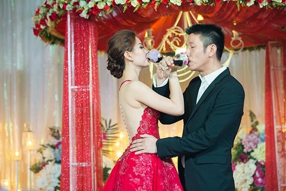 Đám cưới ngập tràn không khí Giáng sinh của Á hậu Diễm Trang 9