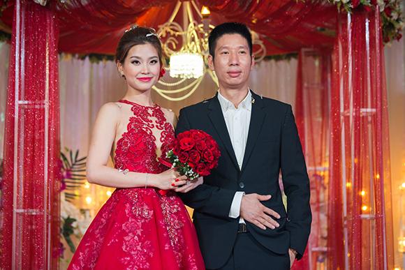 Đám cưới ngập tràn không khí Giáng sinh của Á hậu Diễm Trang 11