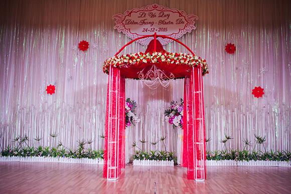 Đám cưới ngập tràn không khí Giáng sinh của Á hậu Diễm Trang 16