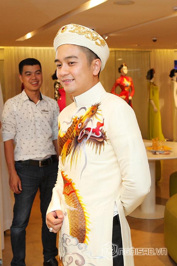 Vợ chồng Vân Trang lái xế hộp tiền tỷ đi thử trang phục cưới 3