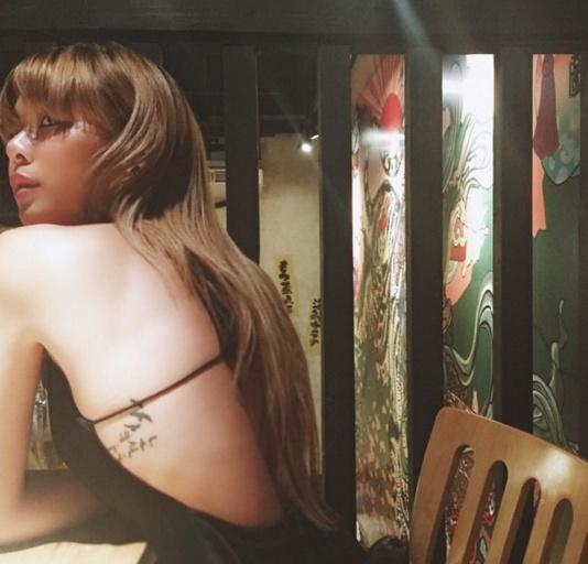 Loạt mỹ nhân Thái khoe hình xăm 'độc' trên cơ thể gợi cảm 9