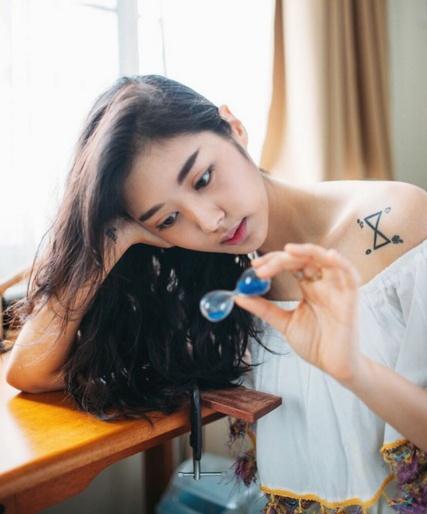 Loạt mỹ nhân Thái khoe hình xăm 'độc' trên cơ thể gợi cảm 8