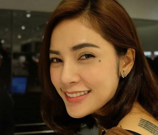 Loạt mỹ nhân Thái khoe hình xăm 'độc' trên cơ thể gợi cảm 6