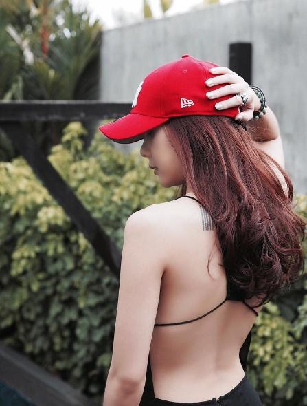 Loạt mỹ nhân Thái khoe hình xăm 'độc' trên cơ thể gợi cảm 26
