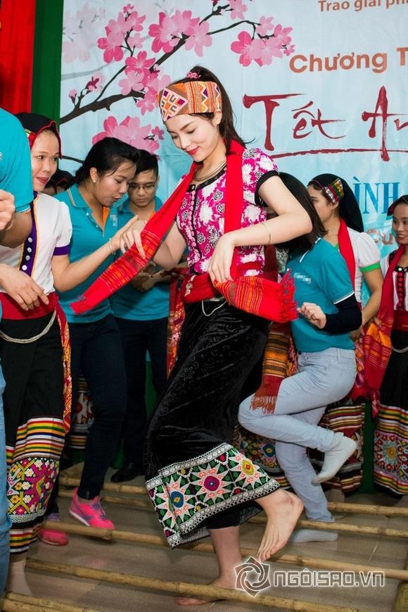 Hoa hậu Việt đi từ thiện 3
